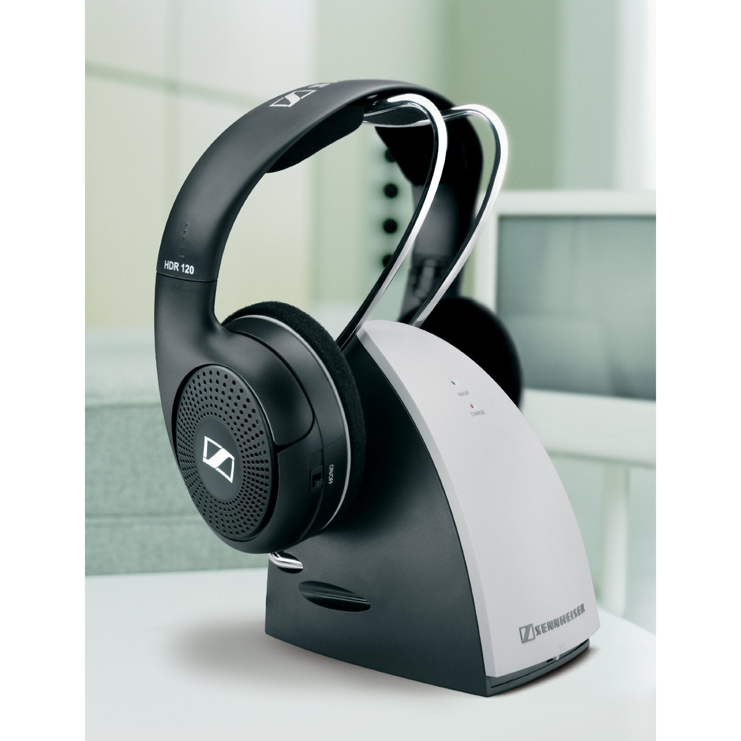 Sennheiser RS120 Over Ear 900MHz Wireless RF Headphones With Charging Cradle Review