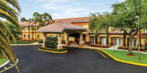 Image of Colonial Assisted Living at Fort Lauderdale - exterior