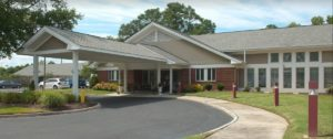 Image of Commonwealth Senior Living at Churchland House facility - exterior