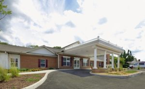 Image of Commonwealth Senior Living at Hampton facility - exterior