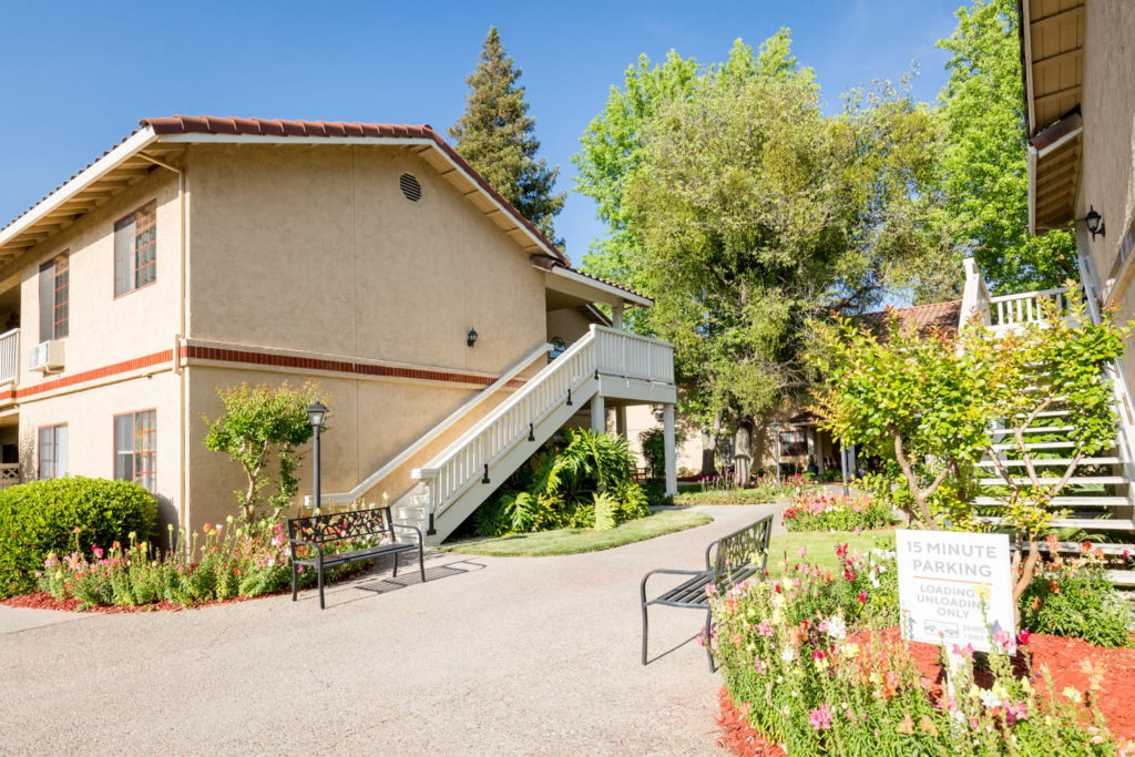 Manteca Retirement Community - Happy Living by Cogir