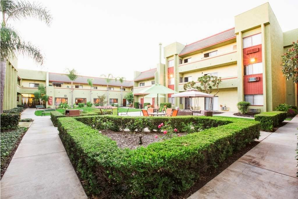 Vista del Mar Senior Living